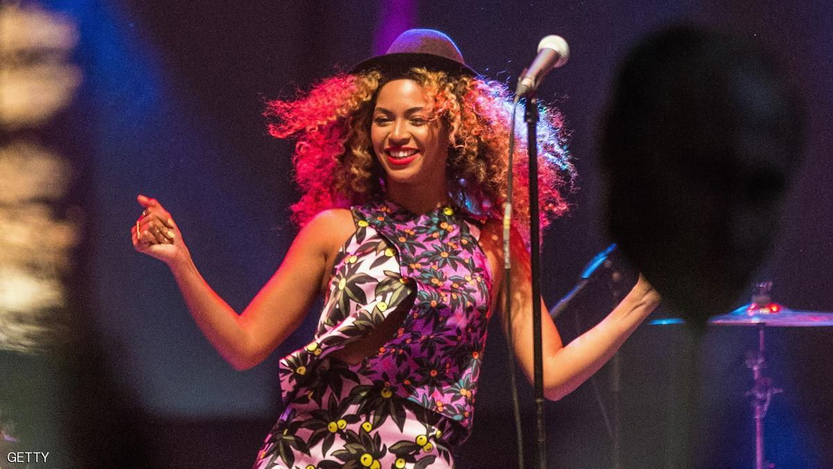 INDIO, CA - APRIL 12: Singer Beyonce performs with her sister Solange onstage during day 2 of the 2014 Coachella Valley Music & Arts Festival at the Empire Polo Club on April 12, 2014 in Indio, California. (Photo by Christopher Polk/Getty Images for Coachella)
